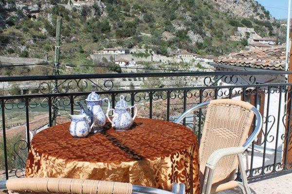 Ana's Hostel - фото 13