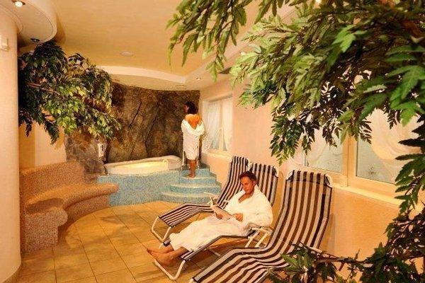 Hotel Tyrol - 8