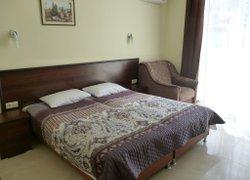 Фото 1 отеля Гостевой Дом Ирина - Евпатория, Крым