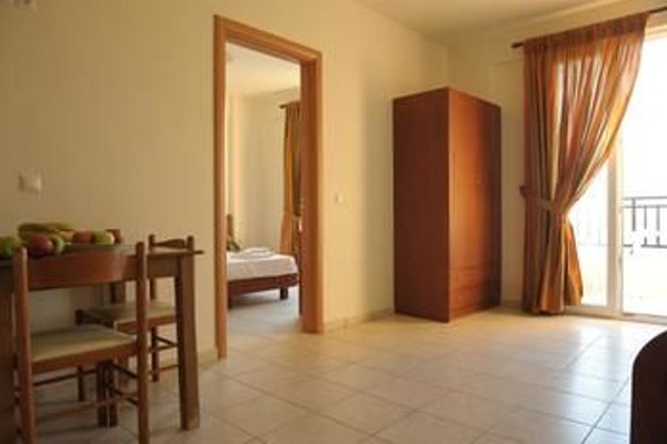 Theodosis Apartments - фото 10