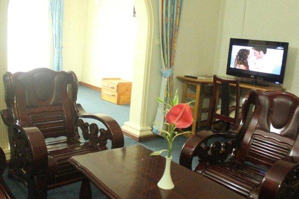 Hotel Royal Palace - 4
