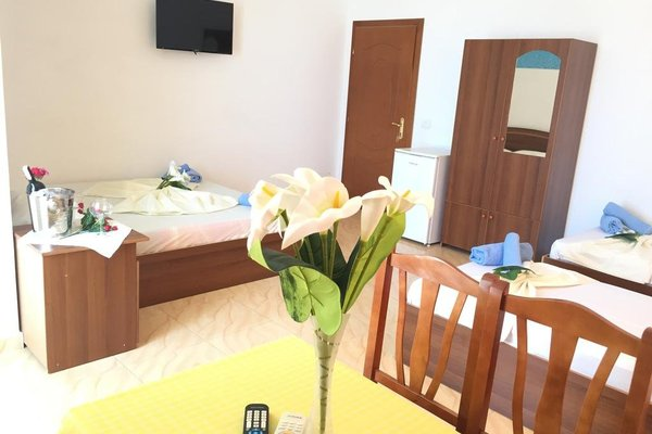 Hotel Lakaj - фото 13