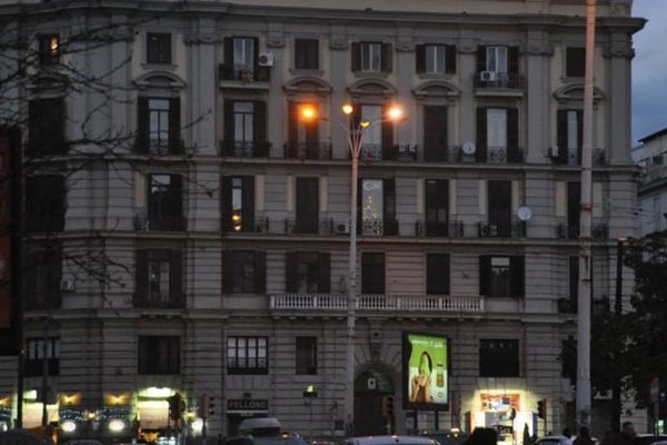 Bed & Breakfast Napoli Centrale - 23