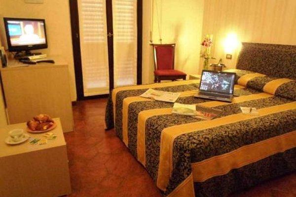 Hotel Montecarlo - фото 37