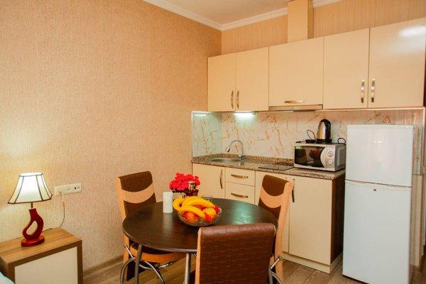 Helen Apartments - фото 10