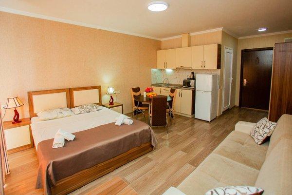 Helen Apartments - фото 3
