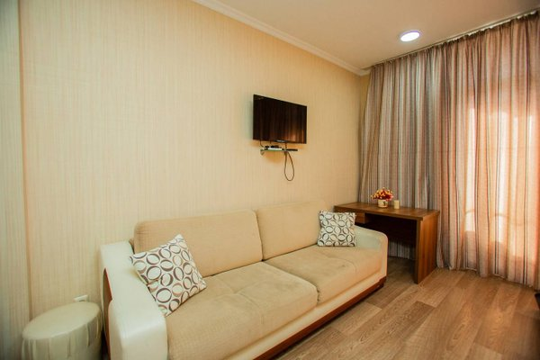 Helen Apartments - фото 4