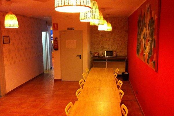 Mediterranean Youth Hostel - фото 13
