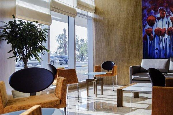 Adagio Fujairah Luxury ApartHotel - 4
