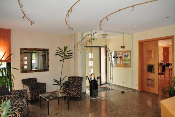 Hotel Cafe Leda - 14