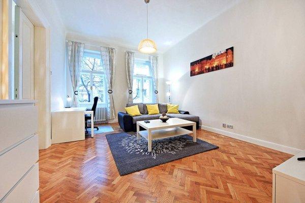 Italska One Apartment - фото 8