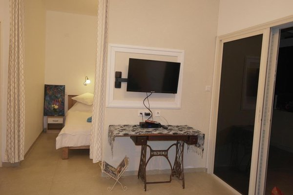 Israeli Home - 3