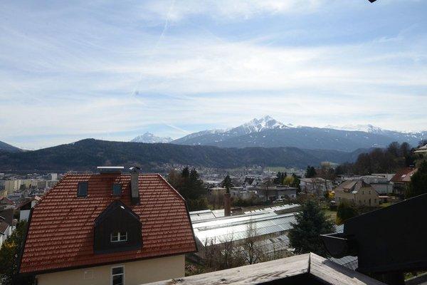Design Apartment mit Terrasse - фото 13