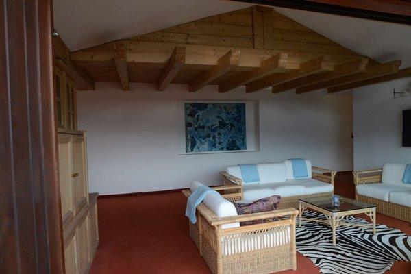 Design Apartment mit Terrasse - фото 15