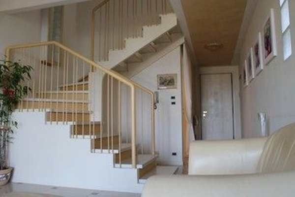 5 STAR SIRMIONE WITH PRIVATE BEACH AND GARAGE - 20
