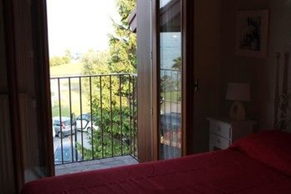5 STAR SIRMIONE WITH PRIVATE BEACH AND GARAGE - 4