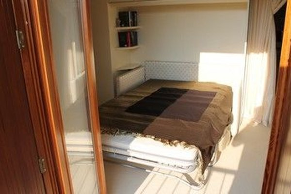 5 STAR SIRMIONE WITH PRIVATE BEACH AND GARAGE - 5