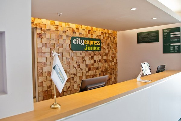 City Express Junior San Luis Potosi Carranza - фото 16