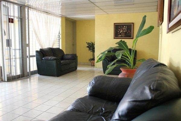 Hotel Dinastia Colima - 17