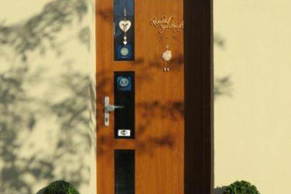 Rivendell Apartments - 18