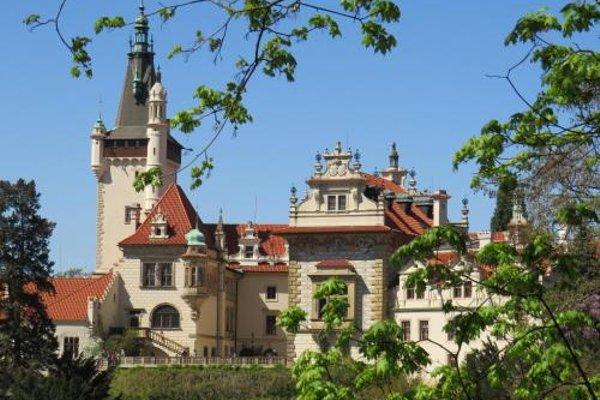 Rivendell Apartments - 8