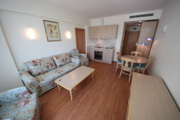 Menada Apartments in Oasis Resort Complex - фото 4