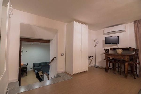 La Residenza Napoli Short Lets Chiaia Plebiscito - 10