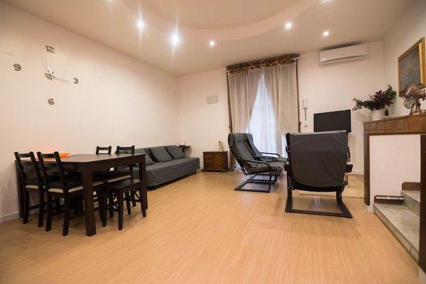 La Residenza Napoli Short Lets Chiaia Plebiscito - 14