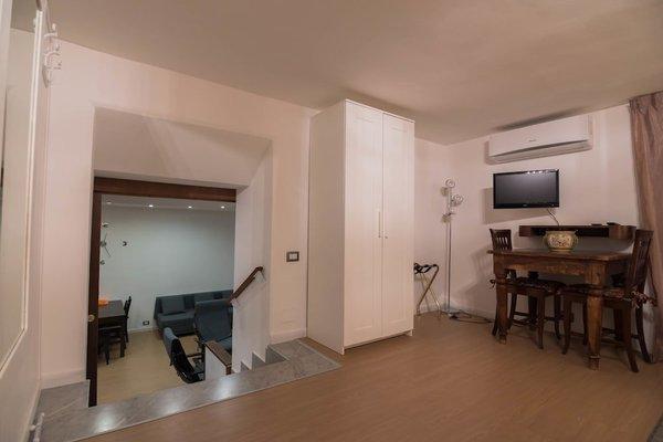 La Residenza Napoli Short Lets Chiaia Plebiscito - 17