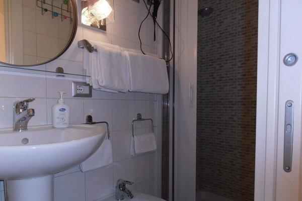 La Residenza Napoli Short Lets Chiaia Plebiscito - 18