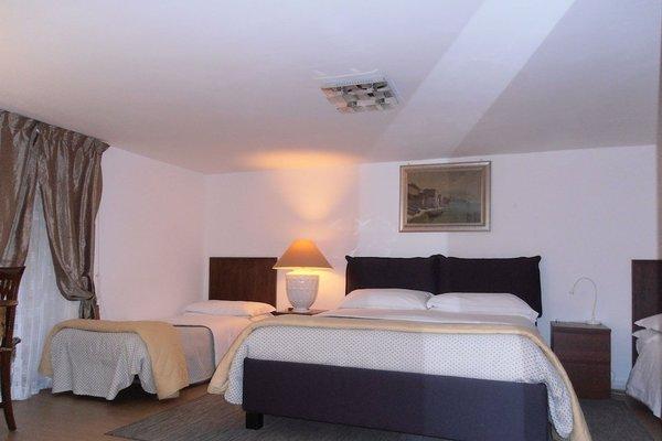 La Residenza Napoli Short Lets Chiaia Plebiscito - 9