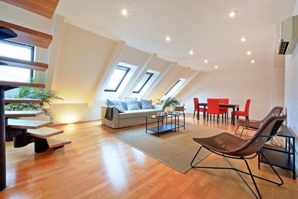 Charles Square Duplex Apartment - фото 20