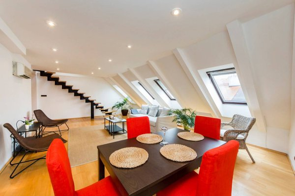 Charles Square Duplex Apartment - фото 3
