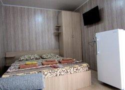 Гостевой дом «Роза» фото 2 - Заозёрное, Крым