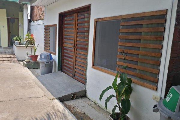 Anaira Hostel - фото 17