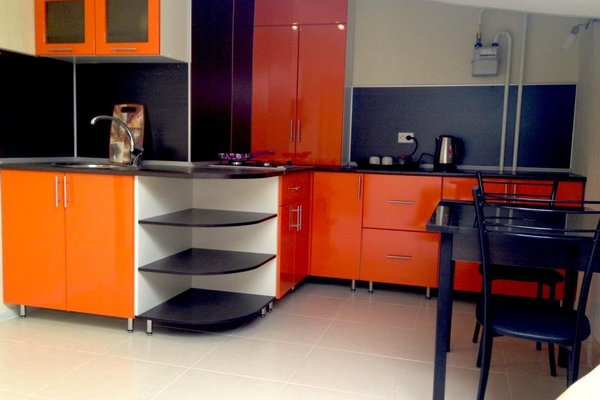 Orange apartments - 9