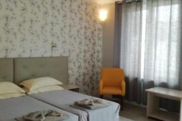 Serebryany Plyazh Hotel - 3