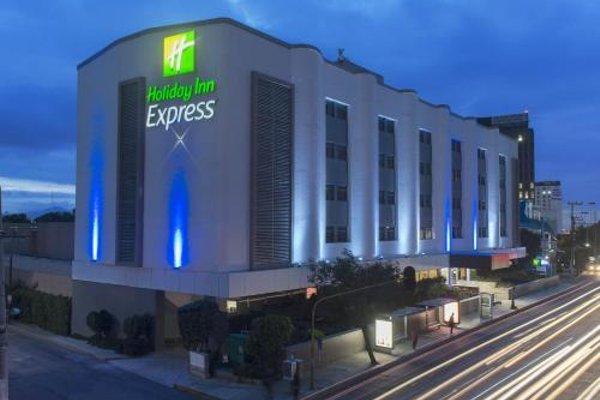 Holiday Inn Express Mexico- Toreo - 22