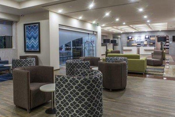 Holiday Inn Express Mexico- Toreo - 6