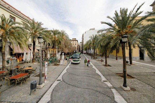 Romanilla Plaza - фото 11