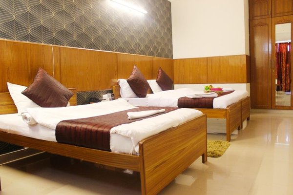 HOTEL DELHI MARINE CLUB C6 VASANT KUNJ - 10