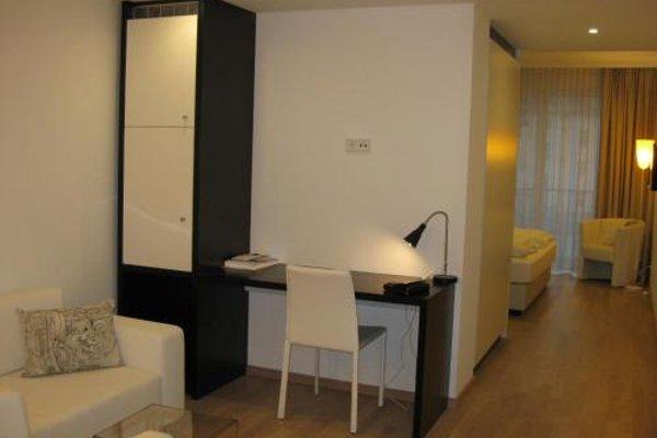 City Hotel - 21