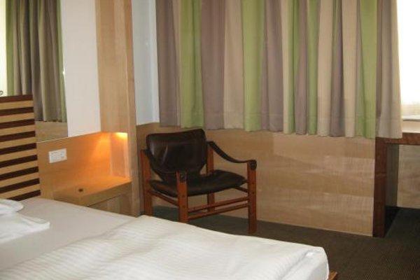City Hotel - 3