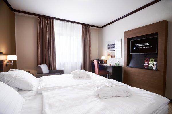 Trans World Hotel Donauwelle - 26