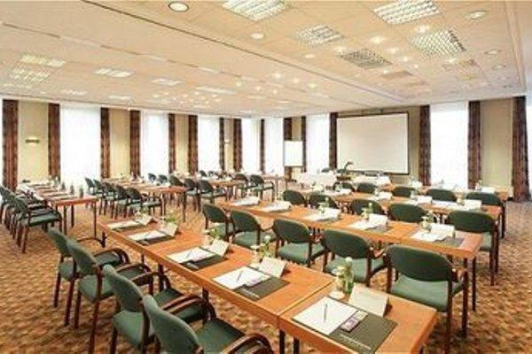 Trans World Hotel Donauwelle - 18