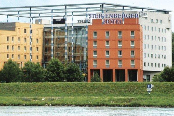 Trans World Hotel Donauwelle - 22