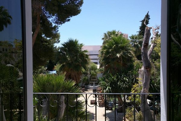 NWT Paradise Urban Hostel - фото 18