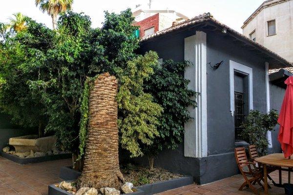 NWT Paradise Urban Hostel - фото 20