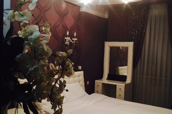 New Home Apartment on Lev Tolstoi - фото 9