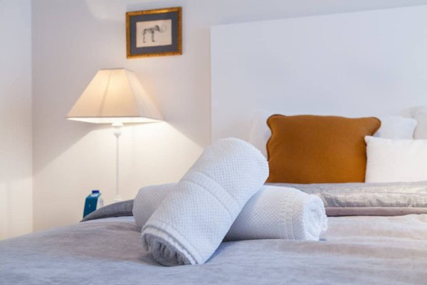 Sweet Inn - Major Rene Dubreucq - фото 15
